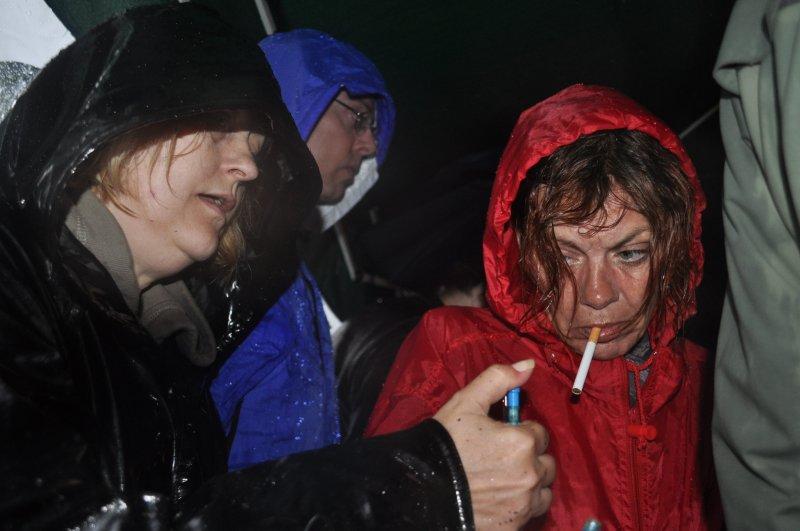 13-wet-freezing-cold-winnie-gets-a-cig