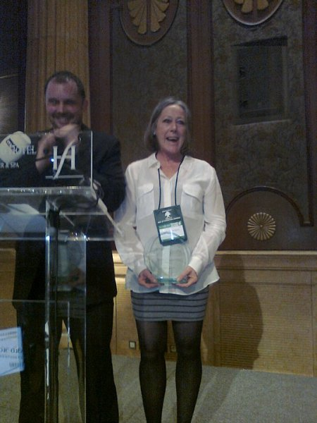 jude-byrne-receiving-2010-rolleston-award-with-ihras-rick-lines