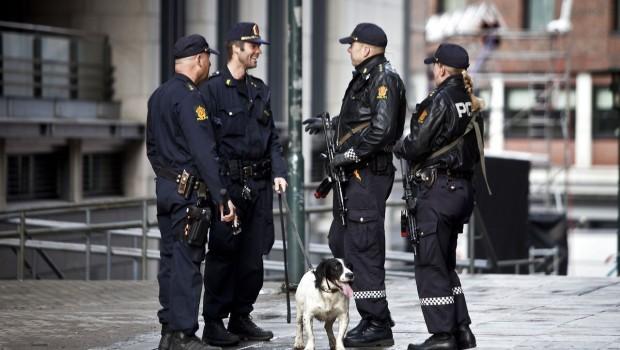 den 9. juli 2011. af Arild Knutsen Landsforeningen for Human Narkopolitik I dag opplevde jeg sterk forverring av mange tunge brukeres helsetilstand. Både brukere og flere fagfolk jeg snakket med […]