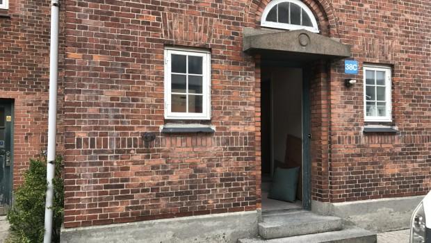 I de midlertidige lokaler i Bygning 38A. på Sundholm – findes desværre ikke tilstrækkeligt plads til at åbne socialt værested for stofbrugere, som vi ellers har drevet […]