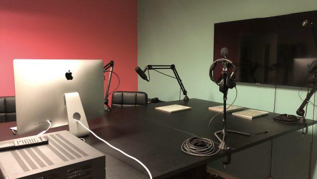Podcast med Rose Krubally – BF's kvindelige nestor Klik her for at høre podcast Fotos fra BrugeForeningens Podcast studie. Optagelsen med Rose blev produceret af Nadja Touzari.